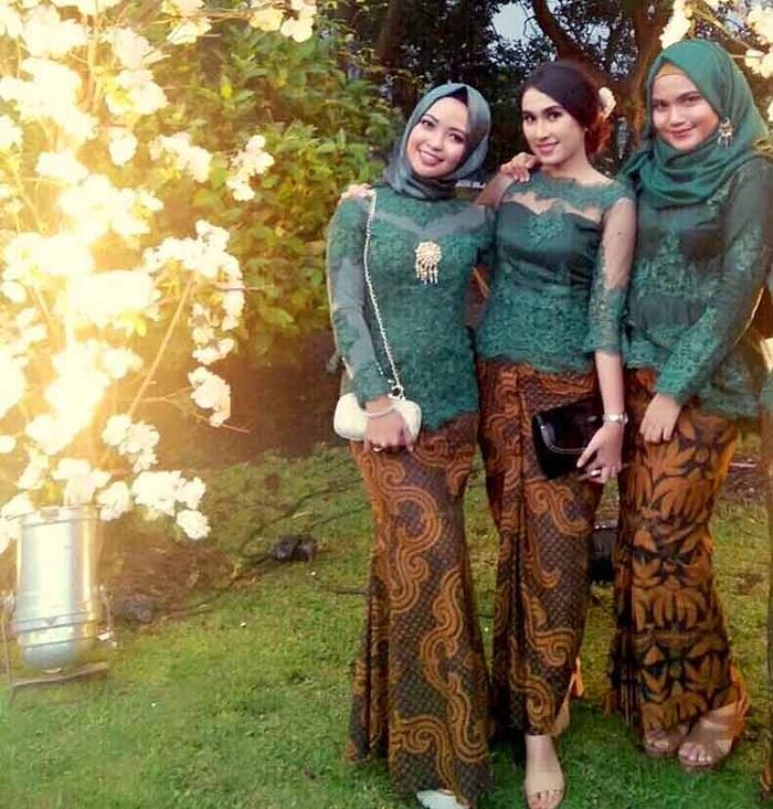 Jual Kebaya Hijab & Modern Untuk Wisuda, Pengantin, Pesta & Kondangan di Pekanbaru